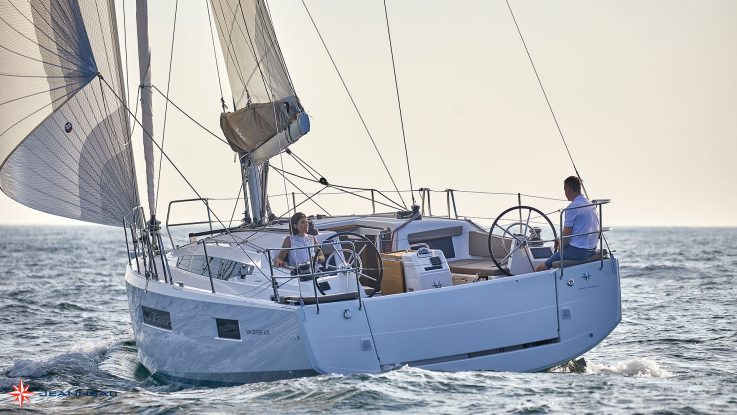 Cruising Helmsman mag reviews the Sun Odyssey 410