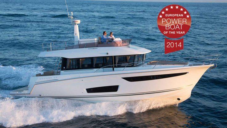 Boattest.com review the Jeanneau Velasco 43