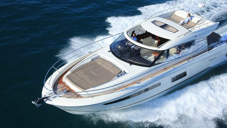 See the photos of the new Prestige 550S